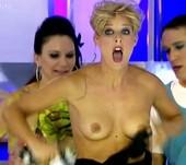 Tania Llasera Video Desliz Se Le Cae El Vestido y Enseña Las Tetas