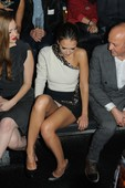 Jessica Alba (2 HQ) Upskirt, Fashion Show Paris, 3 Marzo 2012